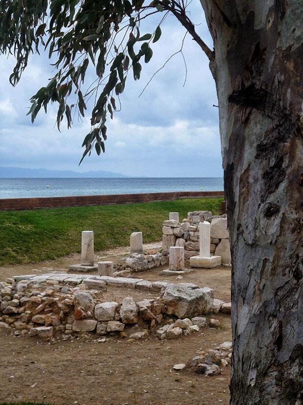 «Στον ναό του Απόλλωνος Ζωστήρος» της Ελένης Σαραντίτη