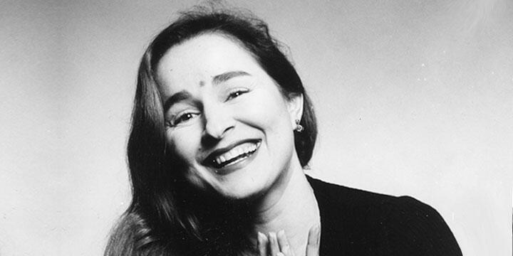 Αργυρώ Πιπίνη: συνέντευξη στη Χαριτίνη Μαλισσόβα