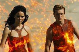 THE HUNGER GAMES: ΦΩΤΙΑ (ΤΗΕ ΗUNGER GAMES: CATCHING FIRE)