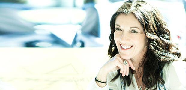 Victoria Hislop: συνέντευξη στη Μάριον Χωρεάνθη